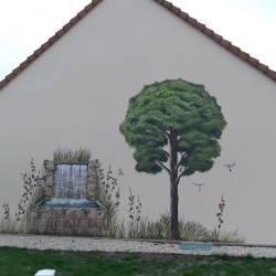 Décor façade arbre et fontaine après